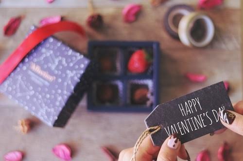 『バレンタインネイル』のフリー写真画像[ID:5042]