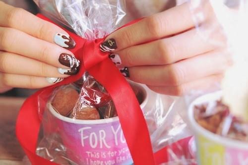 『バレンタインネイル』のフリー写真画像[ID:5053]