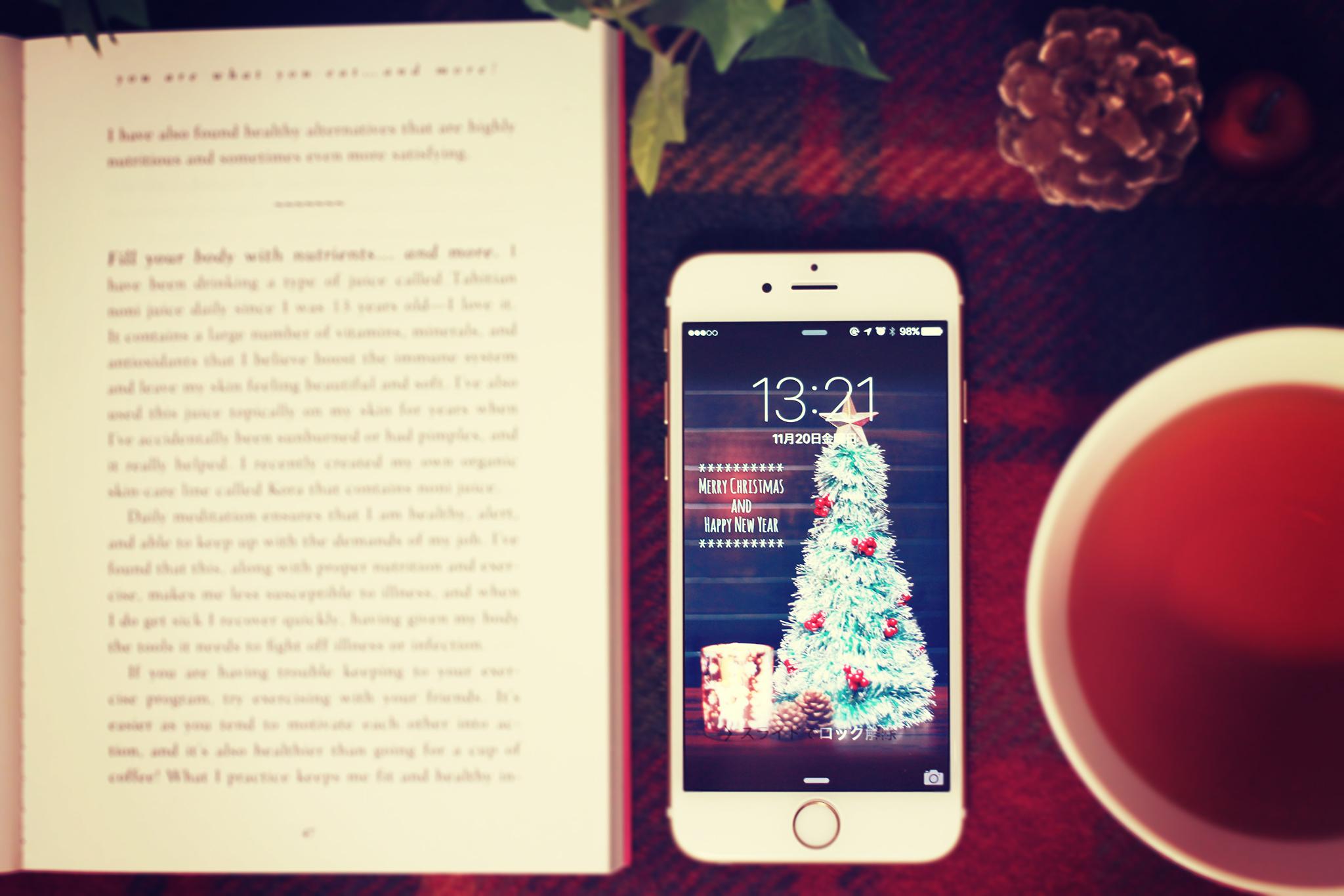 クリスマスな壁紙を設定したiphoneのフリー画像 おしゃれなフリー写真